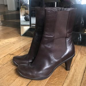 Kenneth Cole Reaction Love Buzz Brown Heeled Boots